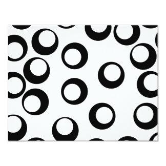 "Black and White Retro Circles Pattern. 4.25"" X 5.5"" Invitation Card"