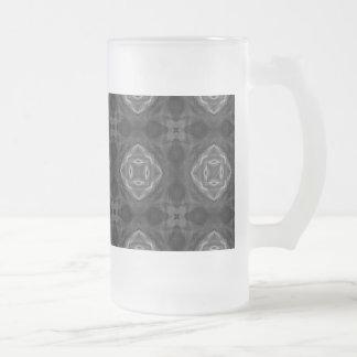 Black and White Retro Fractal Pattern Glass Beer Mugs