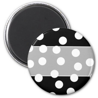 Black and White Spotty Design. 6 Cm Round Magnet