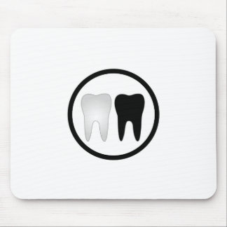 Black and white tooth mouse mat