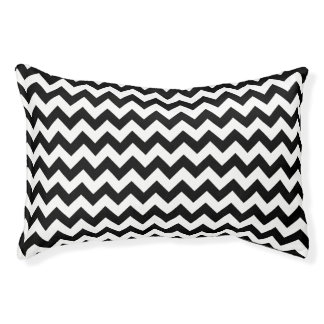 Black and White Traditional Chevron Design Pet Bed