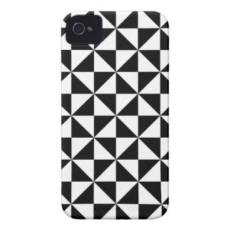 Black And White Triangle Pattern Case-Mate iPhone 4 Cases