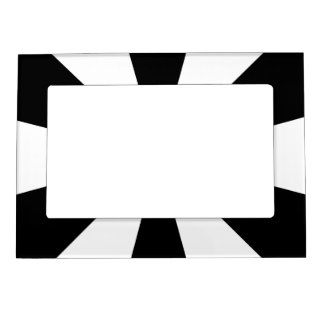Black and white triangles frame