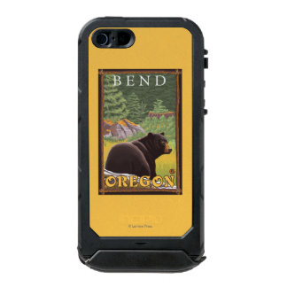 Black Bear in Forest - Bend, Oregon Incipio ATLAS ID™ iPhone 5 Case