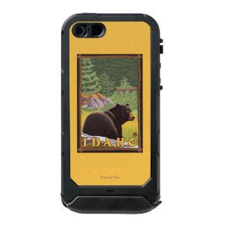 Black Bear in Forest - Idaho Incipio ATLAS ID™ iPhone 5 Case