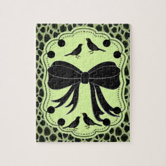 black birds bow green jigsaw puzzle everyone
