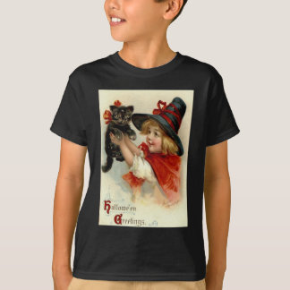 Black Cat at Halloween Vintage Greeting T-Shirt