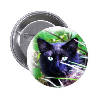 Black cat with striking green eyes 6 cm round badge