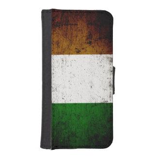 Black Grunge Ireland Flag iPhone SE/5/5s Wallet Case
