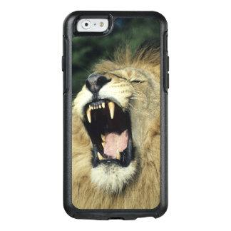 Black-maned male African lion yawning, headshot, OtterBox iPhone 6/6s Case