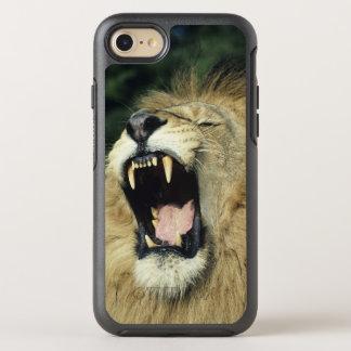 Black-maned male African lion yawning, headshot, OtterBox Symmetry iPhone 8/7 Case