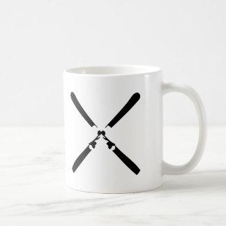 black skier crossed mugs