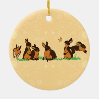 BLACK TANS IN THE GRASS ROUND CERAMIC DECORATION