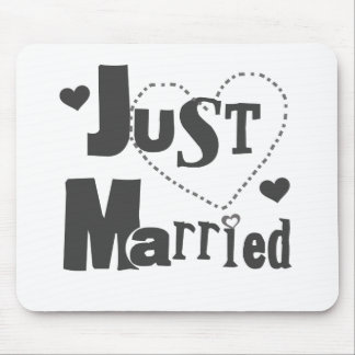 Black Text with Heart Just Married Mouse Pad