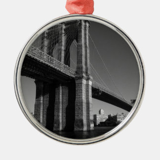 Black & White Brooklyn Bridge Silver-Colored Round Decoration