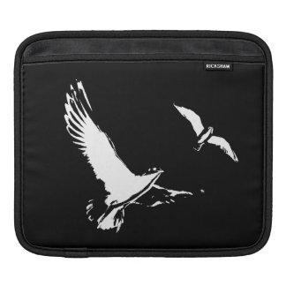 Black & White Flying Birds - Tablet sleeve
