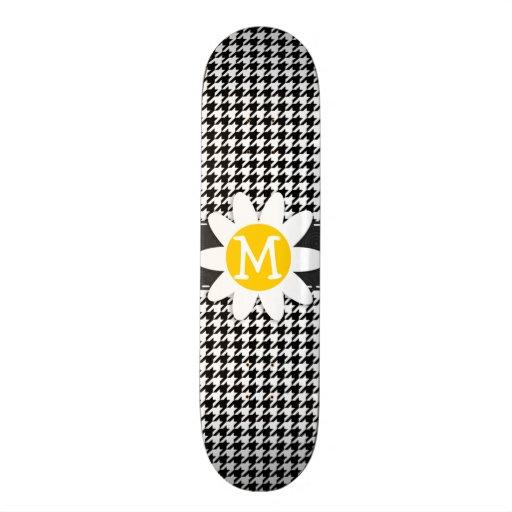 Black & White Houndstooth.; Spring Daisy Skateboard