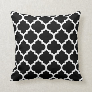 Black White Moroccan Quatrefoil Pattern #5 Cushion
