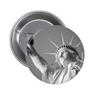 Black White Statue of Liberty 6 Cm Round Badge