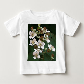 Blackberry blossoms in flower tshirt