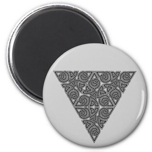 Blackwork Triangle Knot Round Magnet