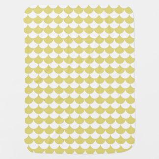 Blanket drinks lion mustard