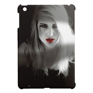 Blonde bombshell noir effect case for the iPad mini