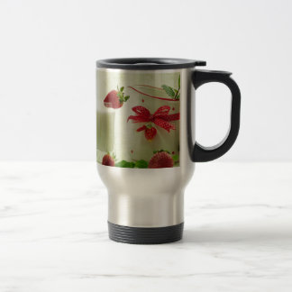 Blows strawberries in the country house style mugs