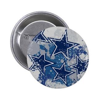 BLUE AND WHITE GRUNGE STYLE STARS 6 CM ROUND BADGE