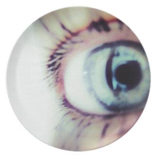Blue eye plate