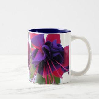 Blue Eyes Fuchsia Mug