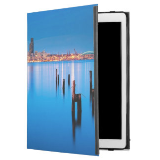 """Blue hour view of downtown Seattle iPad Pro 12.9"""" Case"""