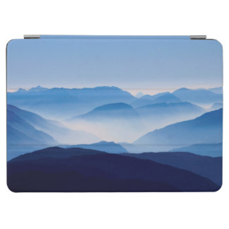 Blue Mountains Meditative Relaxing Landscape Scene iPad Air Cover