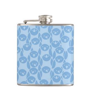 Blue penguins pattern background flask