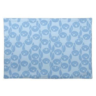 Blue penguins pattern background placemat