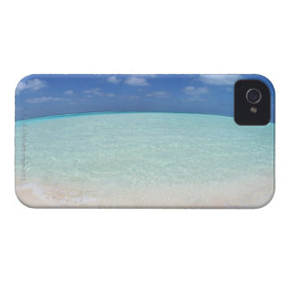 Blue sky and sea 12 iPhone 4 cover