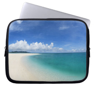 Blue sky and sea 7 laptop sleeve