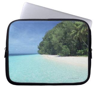 Blue sky and sea 8 laptop sleeve
