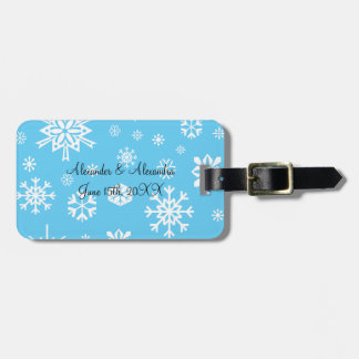 Blue snowflakes wedding favors luggage tags