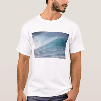 Blue wave crashing, Maui, Hawaii, USA 2 T-Shirt