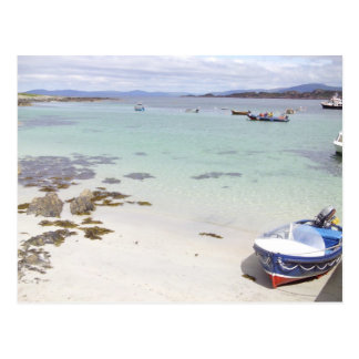 Boat on a beach - Isle of Mull Postcard