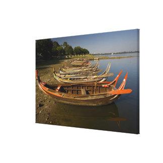 Boats on lake between Kyauktawgyi Paya and Canvas Print