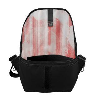 bokeh 04 hearts red I Messenger Bags