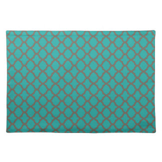 Bold Quatrefoil Pattern in Green and Brown Placemat