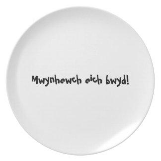 Bon appetit plate - Welsh - Mwynhewch eich bwyd