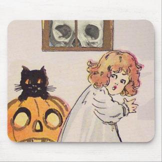 Boogeyman (Vintage Halloween Card) Mouse Mat