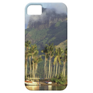 Bora Bora, French Polynesia Waterfront scene and iPhone 5 Case