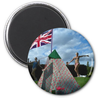 bored housewives 6 cm round magnet