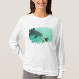 Bottlenose Dolphins Tursiops truncatus) 27 T-Shirt
