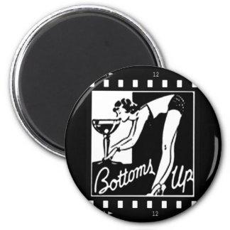 Bottoms Up Retro Lady Drinking Huge Martini 6 Cm Round Magnet